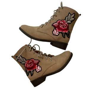 Qupid Brown Combat Embroidered Ankle Boots
